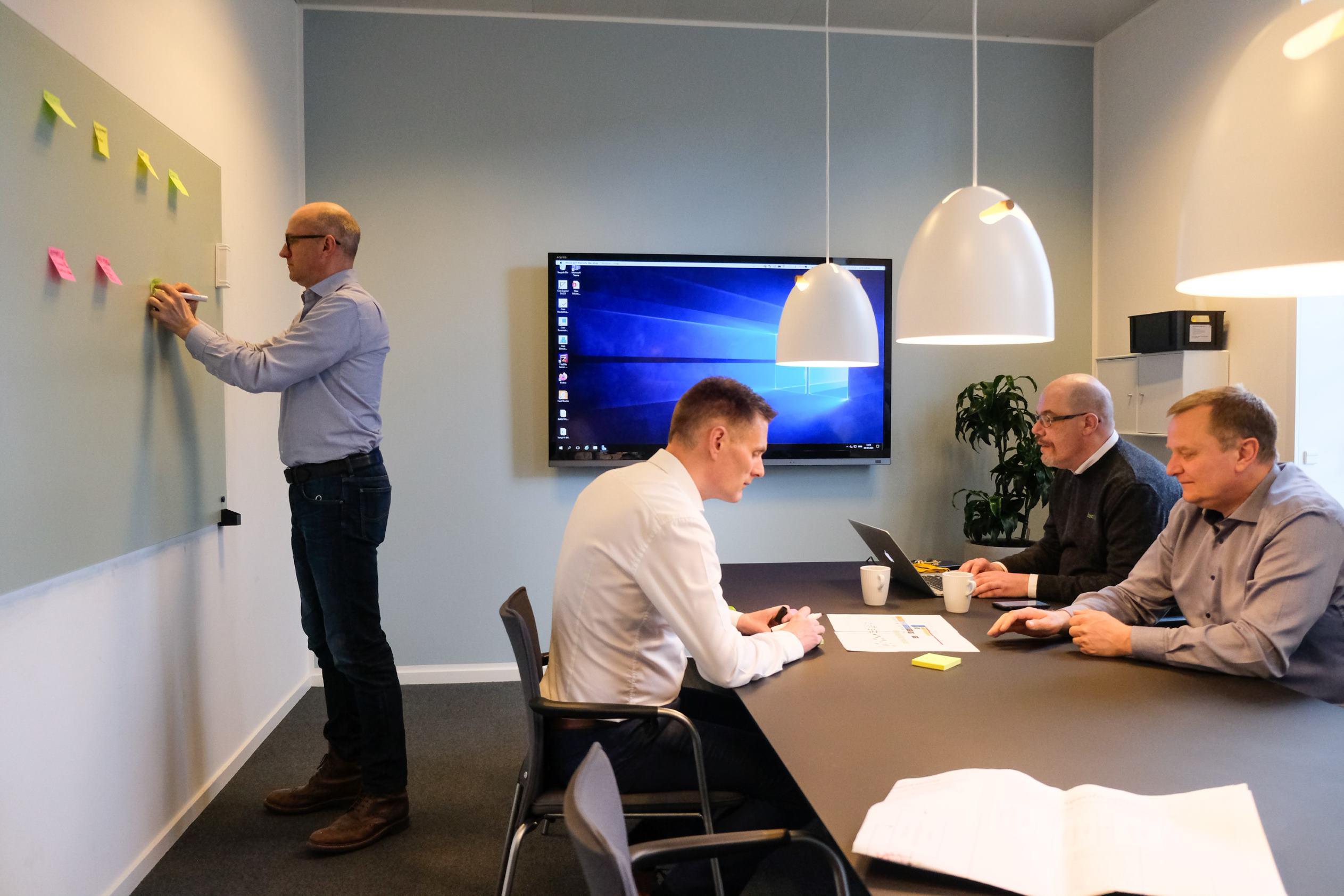 Meeting in meeting room